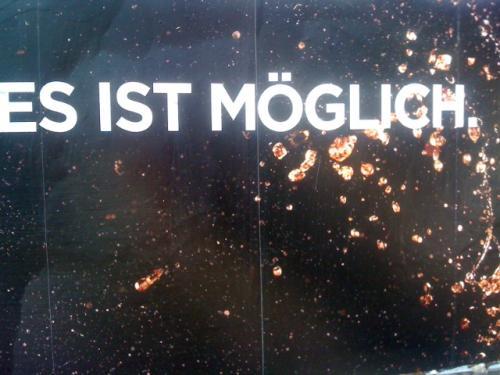 """Bild eines Plakats mit dem Schriftzug """"es ist möglich"""""""