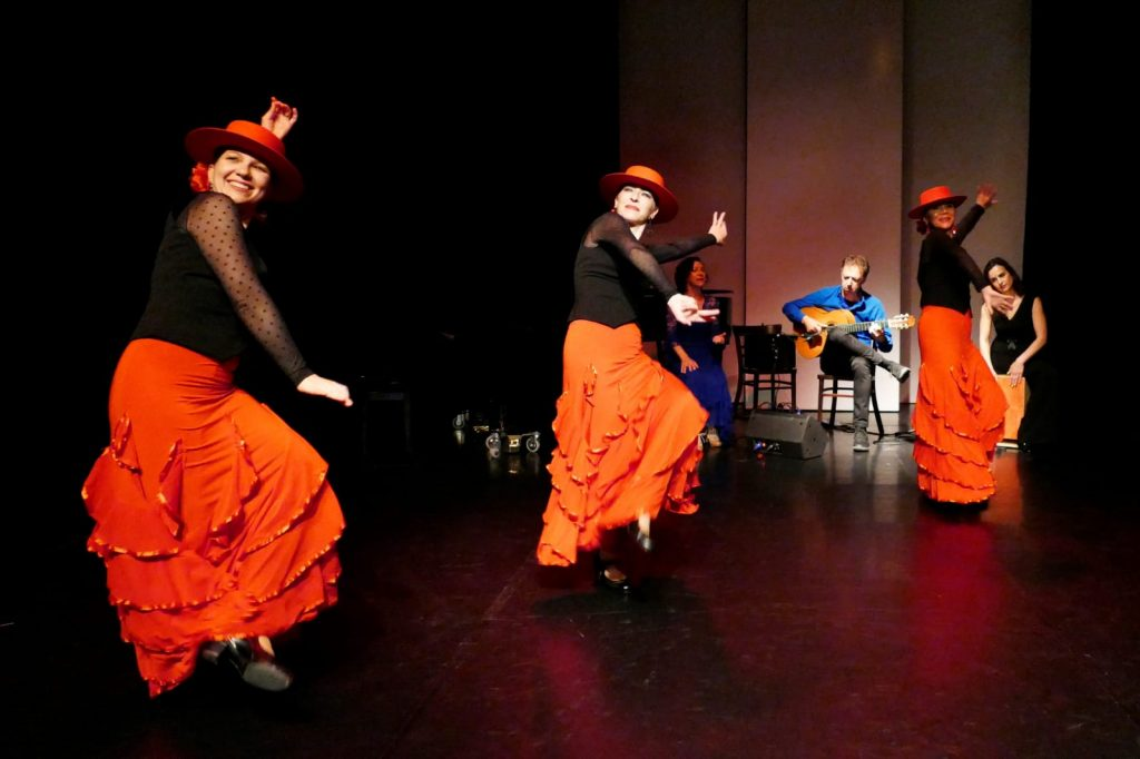 Cantiñas bei Flamenco After Eight. Foto von Michaela Trbanos