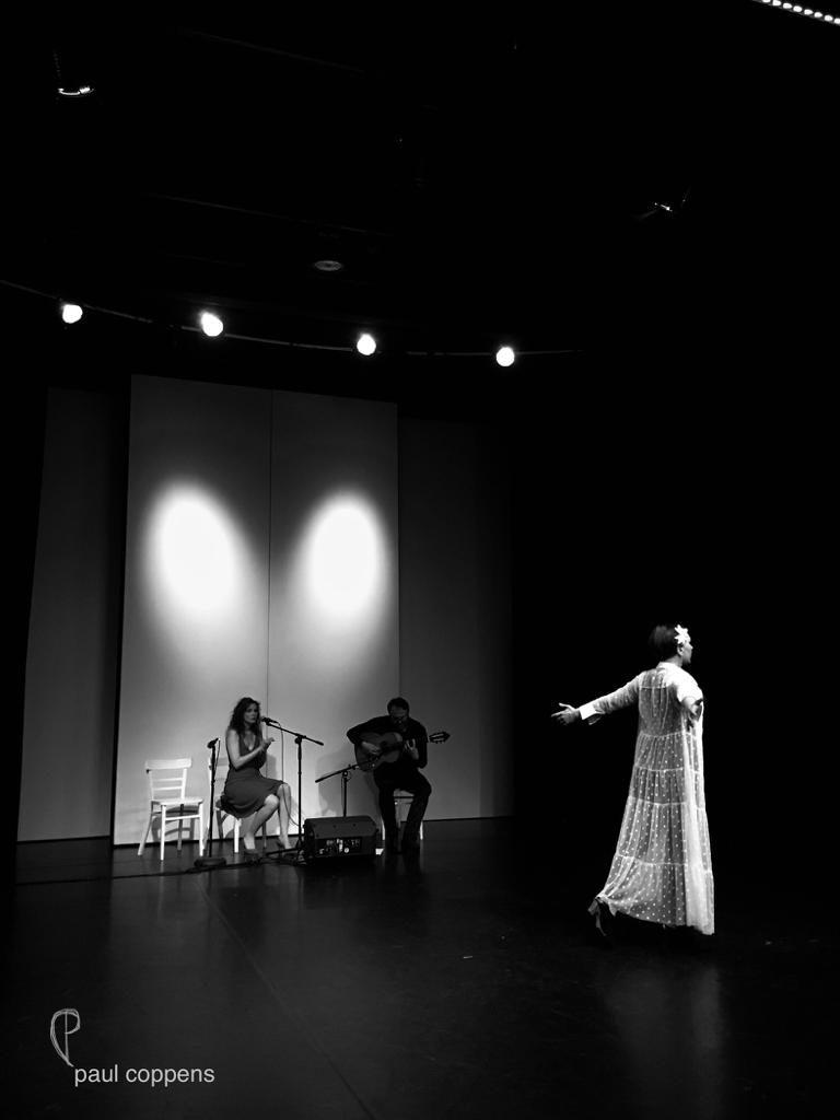 """Während der Taranta bei """"La Vida Flamenca"""", Eva Divotgey, Marko Dumancic und Julia Petschinka"""